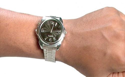 наручные часы - спешка и ожидание