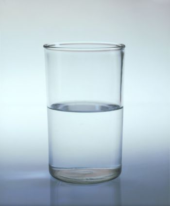 пол стакана воды